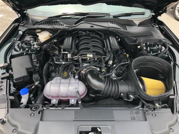 V8 5.0Lエンジン